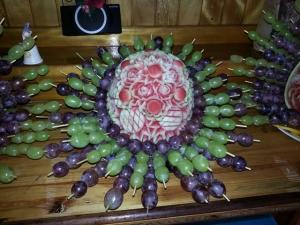 composizione frutta scultura anguria